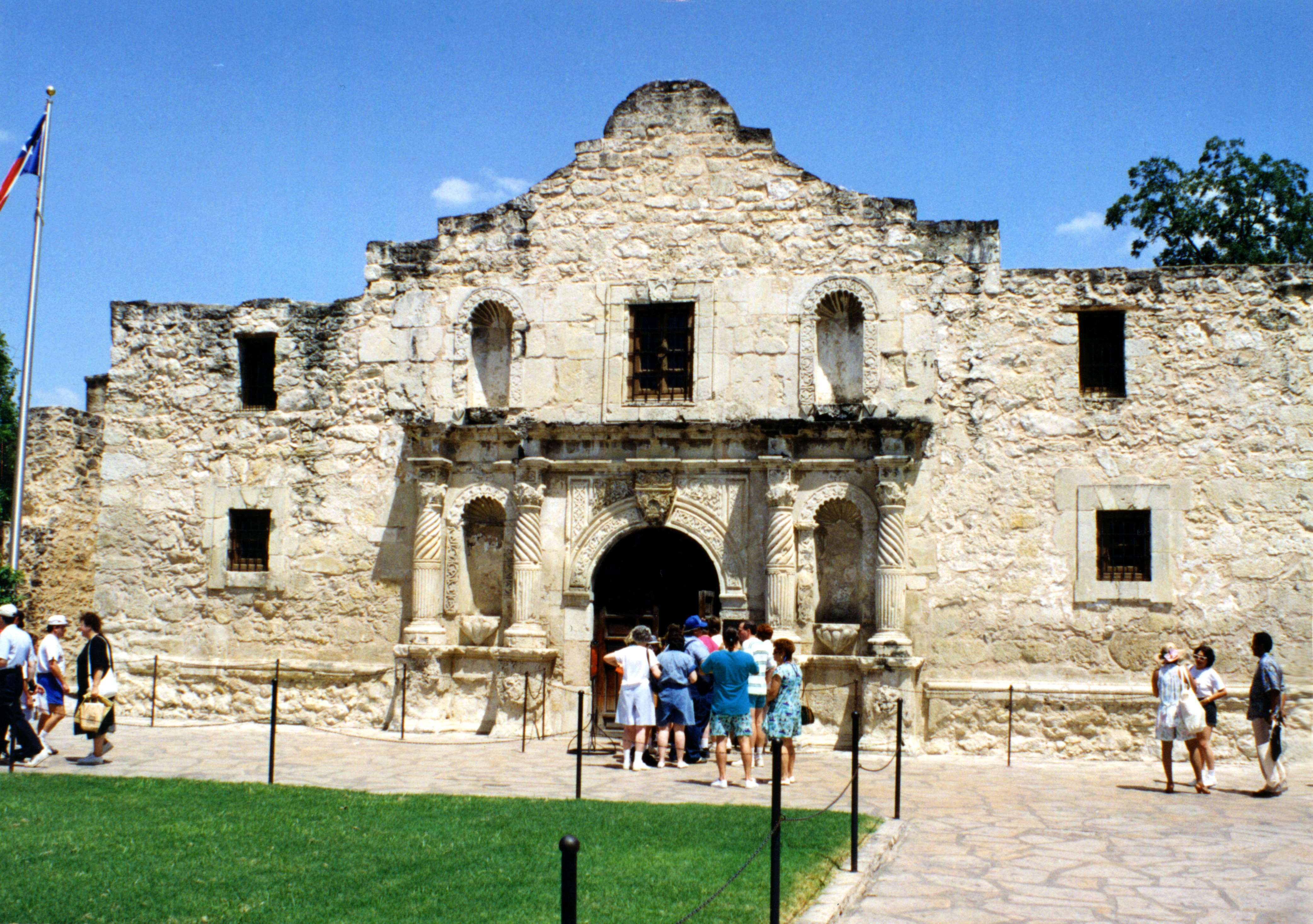 """battle of the alamo research paper The discussion of this paper takes into concern the battle of san jacinto  two battles were fought at alamo and  """"battle of san jacinto essay example."""